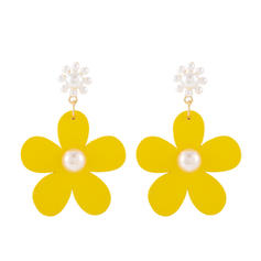 Flower Shaped Alloy Imitation Pearls Wood Women's Earrings